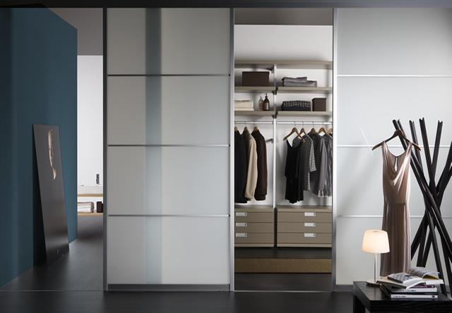 Sliding Wardrobe Interior 11