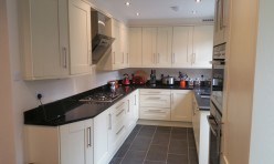 Bespoke Shaker Kitchen Redhill Surrey