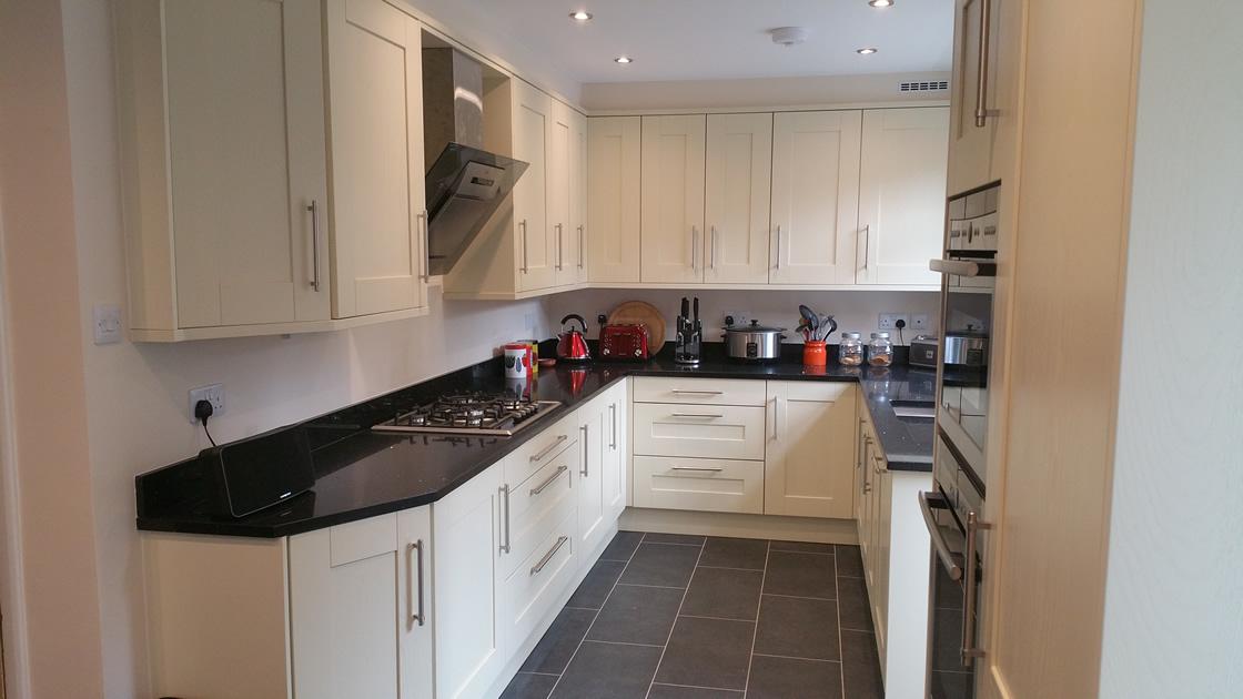 Large Bespoke Shaker Kitchen Redhill Surrey