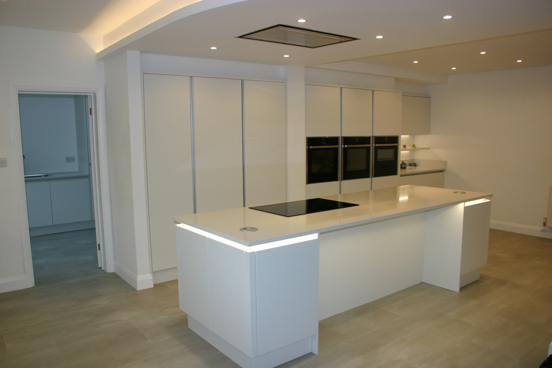 Large New Handle-less Porcelain White Kitchen