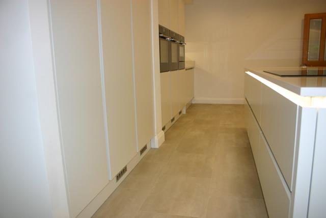 new-kitchen-featuring-karndean-flooring
