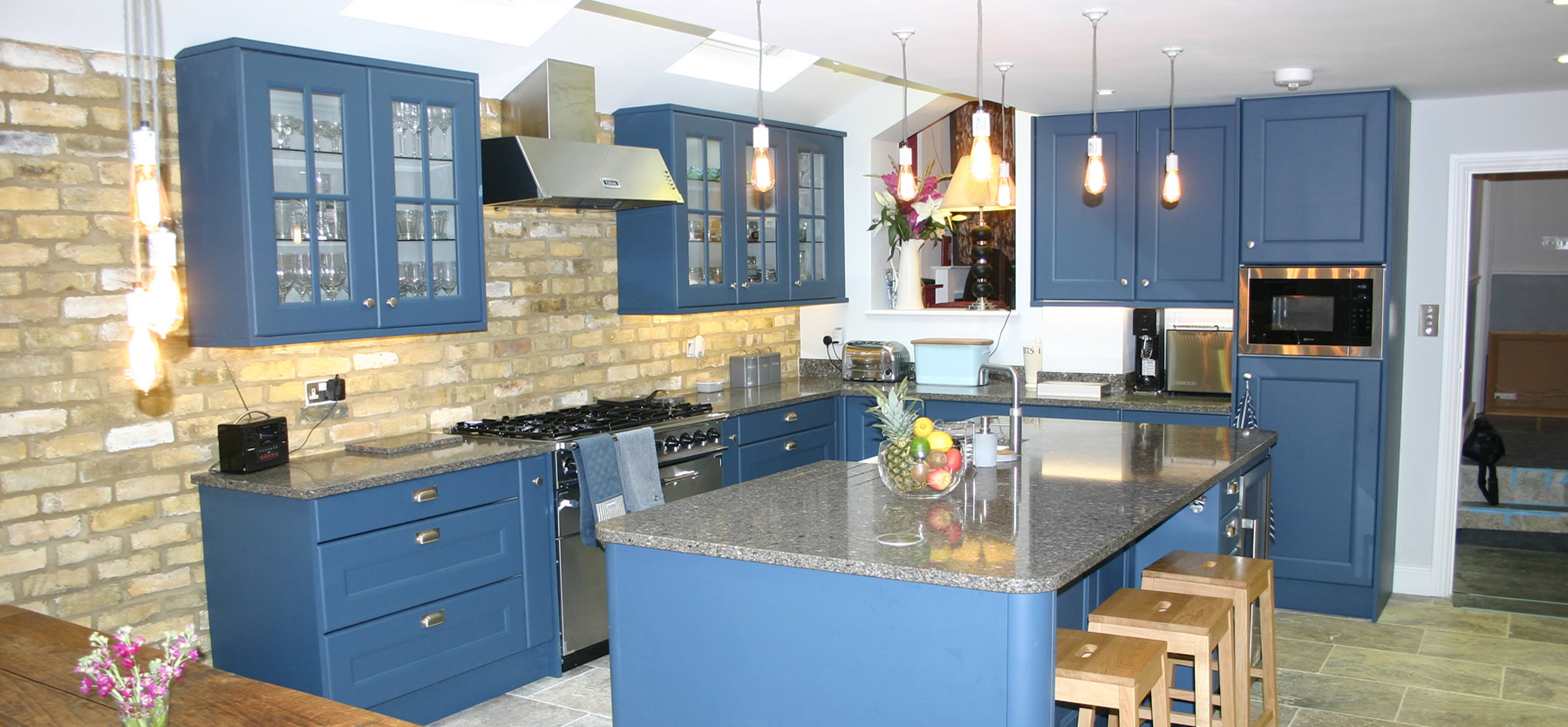 Painted-Solid-Oak-Beaded-Shaker-Kitchen