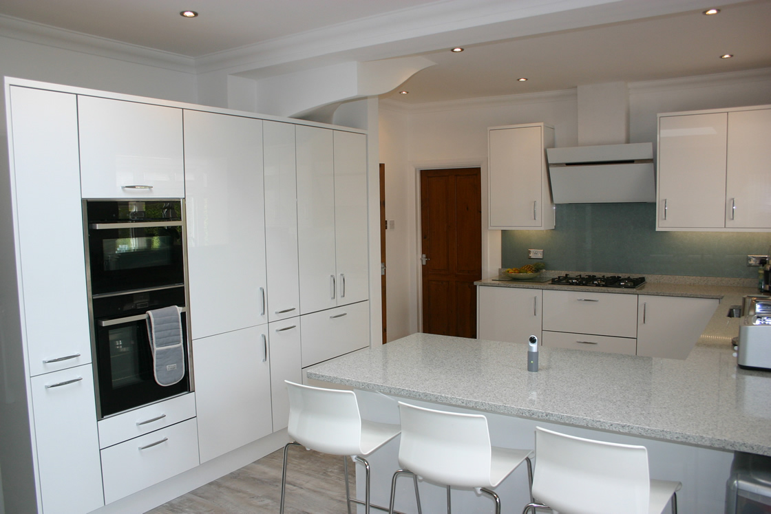 Bespoke White Gloss Kitchen Installed in Coulsdon