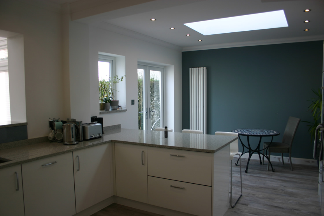Custom Acrylic White Gloss Kitchen Installed in Coulsdon Surrey