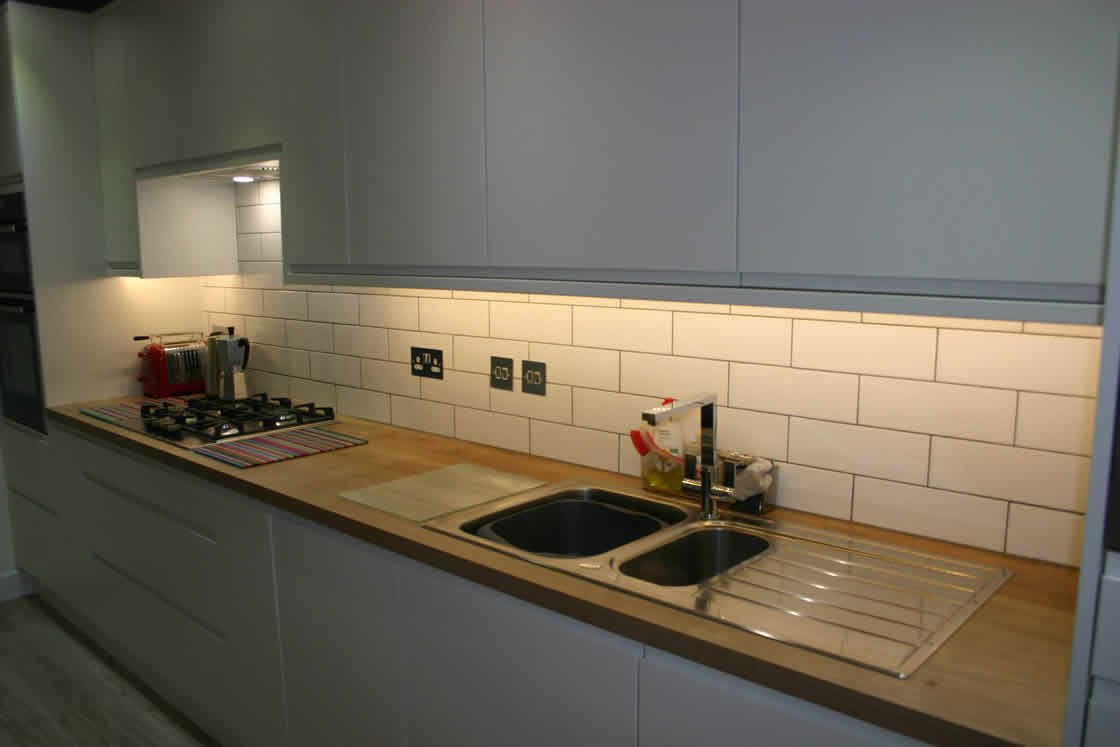 Handle-less Kitchen Installation in Redhill