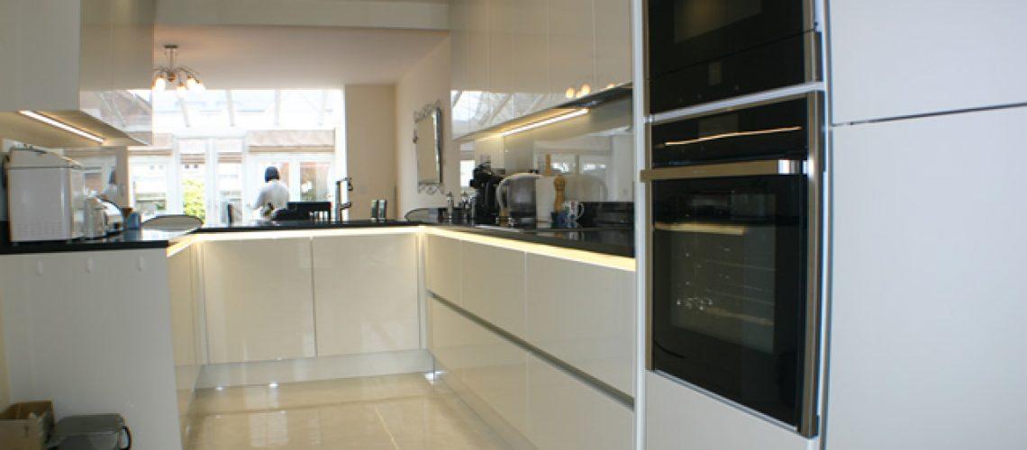 Handle-less Gloss Porcelain Kitchen