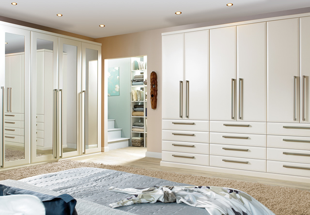 Ascot Oyster Fitted Bedroom