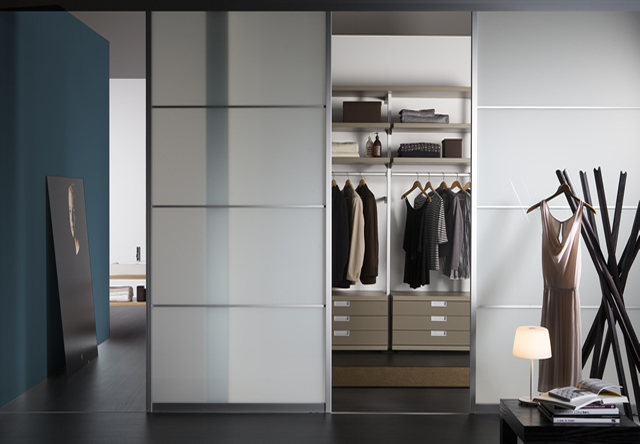 Sliding Wardrobe Interior 11