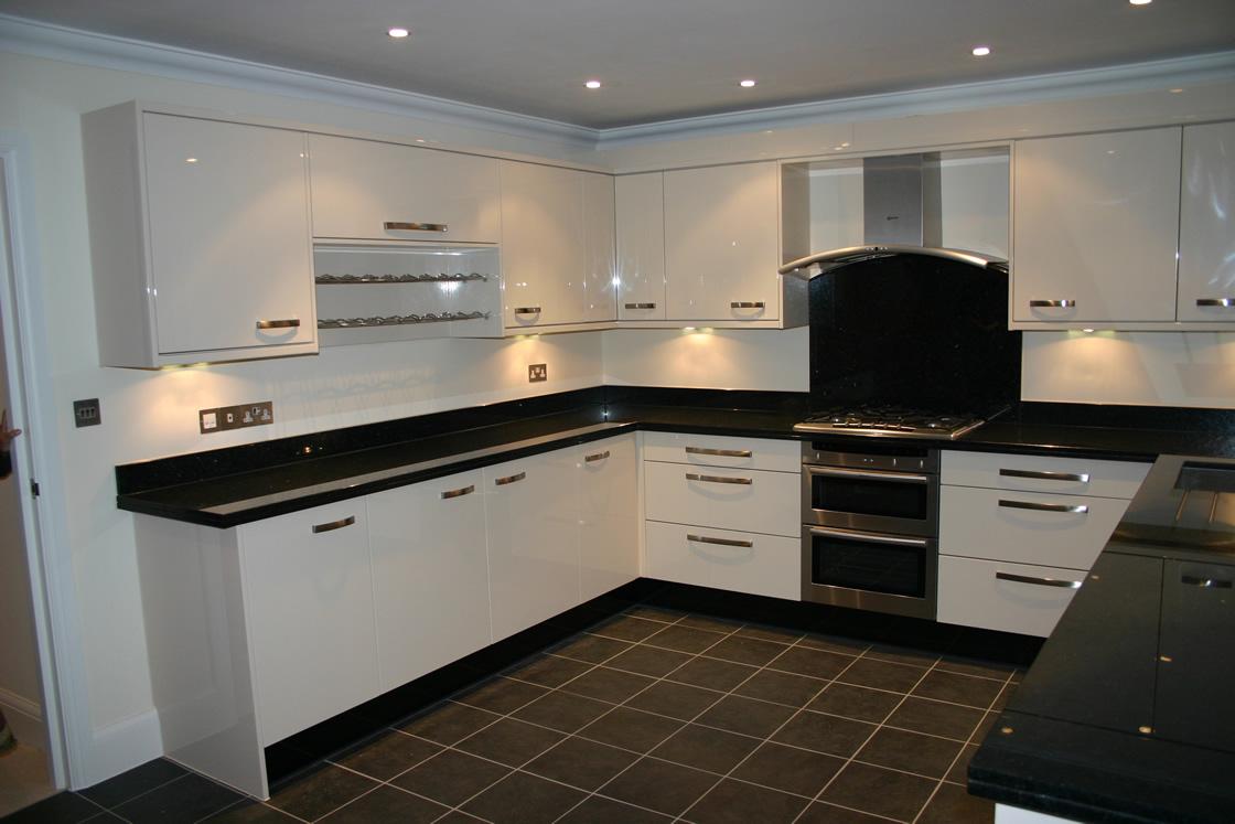 Cream Gloss Kitchen with Granite Worktops