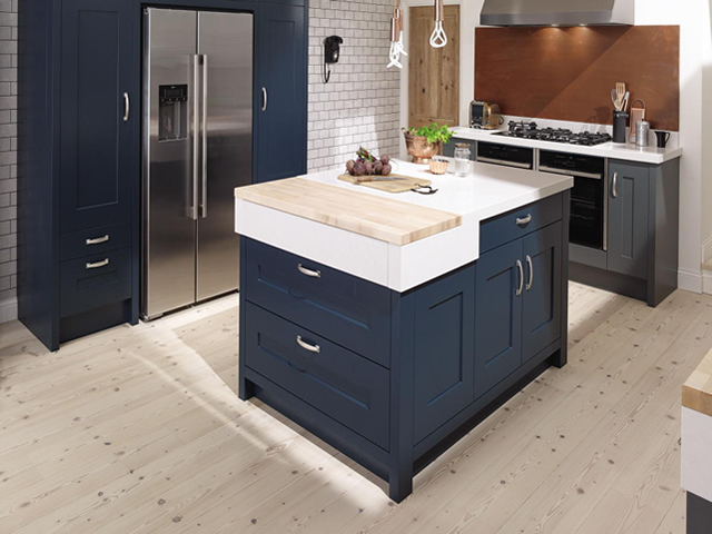 Painted Shaker Kitchen in Blue Smooth Painted Finish