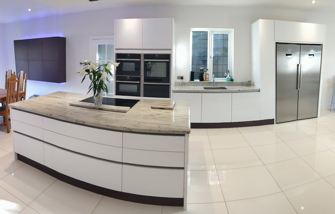 Large Bletchingley Bespoke Handle Less Kitchen Design and Installation