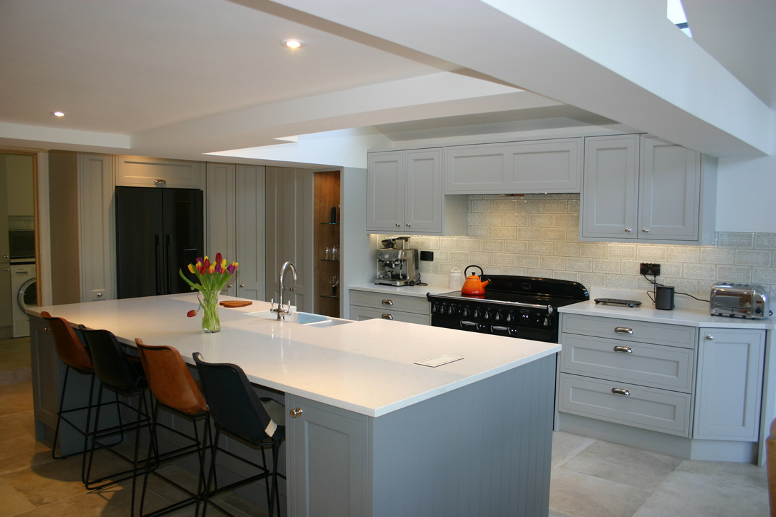 In-Frame Effect Kitchen in Plummet and Grey