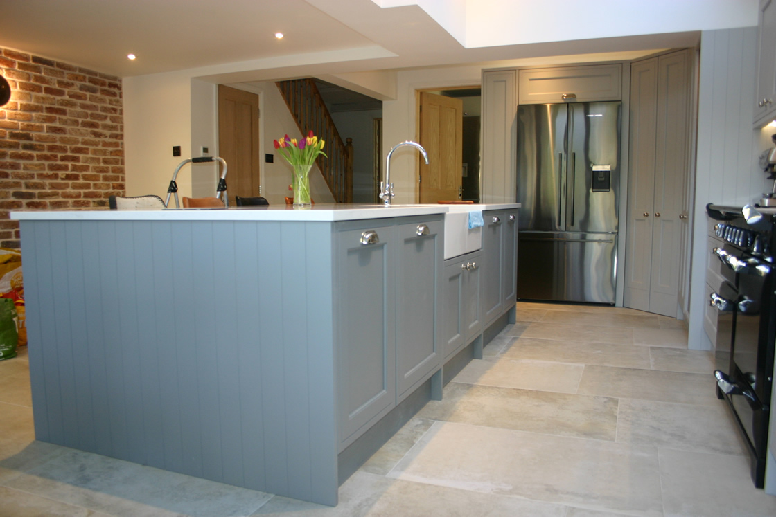 In-Frame Effect Kitchen with Large Island in Plummet and Grey