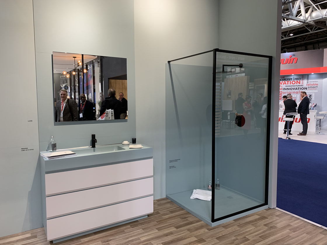 Shower cubicle display