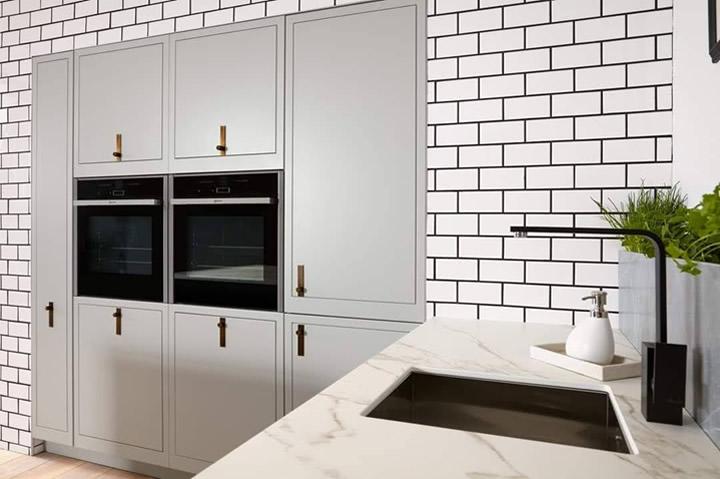 Ultra Modern Inframe Kitchen