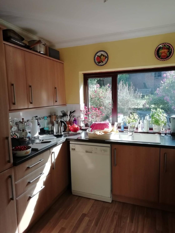 White Gloss Kitchen Before 1