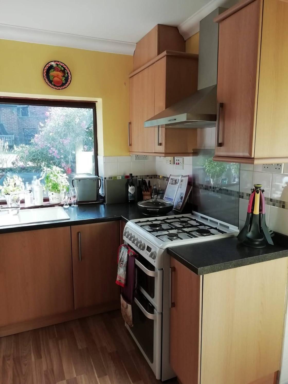 White Gloss Kitchen Before 2