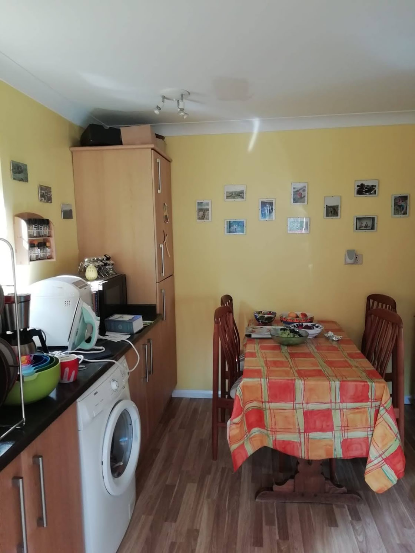 White Gloss Kitchen Before 3