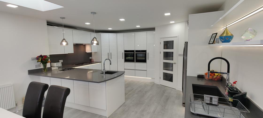 Acrylic Gloss White Bespoke Kitchen in Redhill (1)