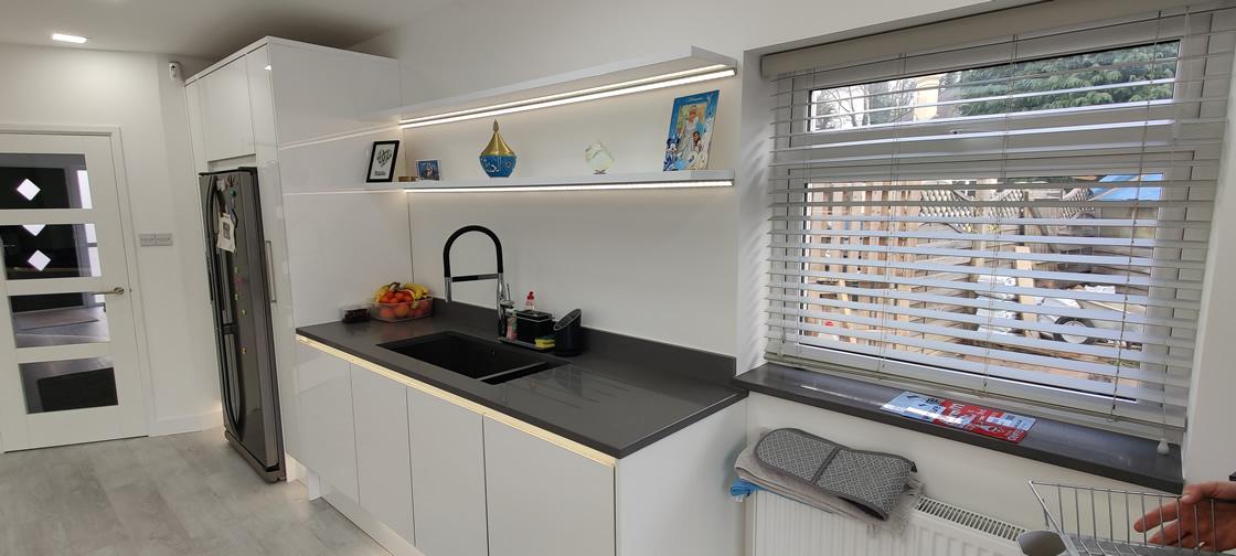 Acrylic Gloss White Bespoke Kitchen in Redhill (12)