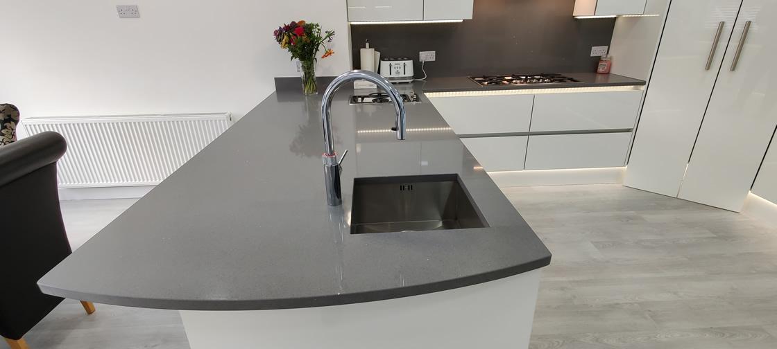 Acrylic Gloss White Bespoke Kitchen in Redhill (14)