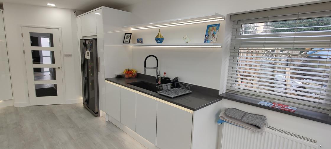 Acrylic Gloss White Bespoke Kitchen in Redhill (2)