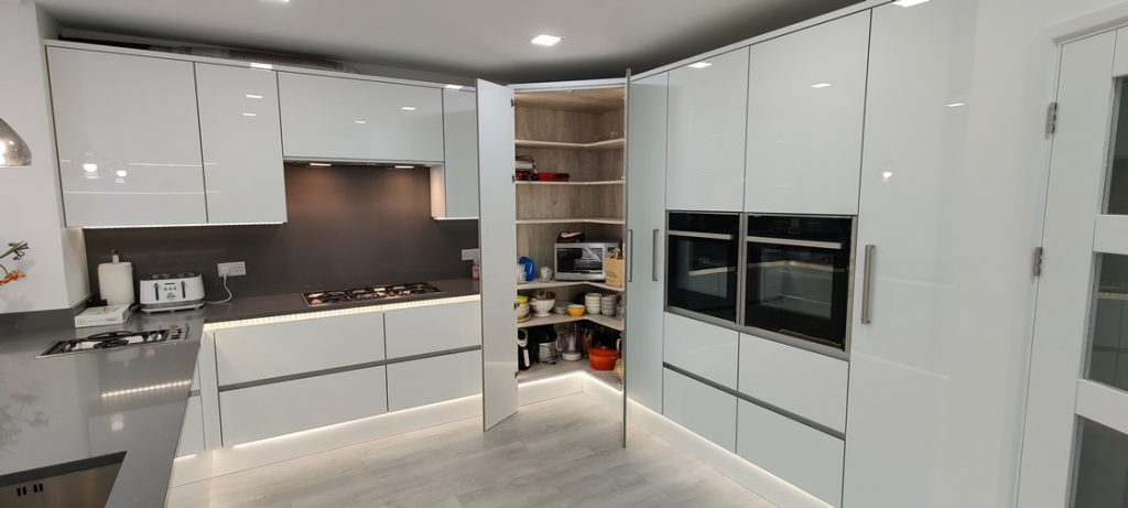 Acrylic Gloss White Bespoke Kitchen in Redhill (9)