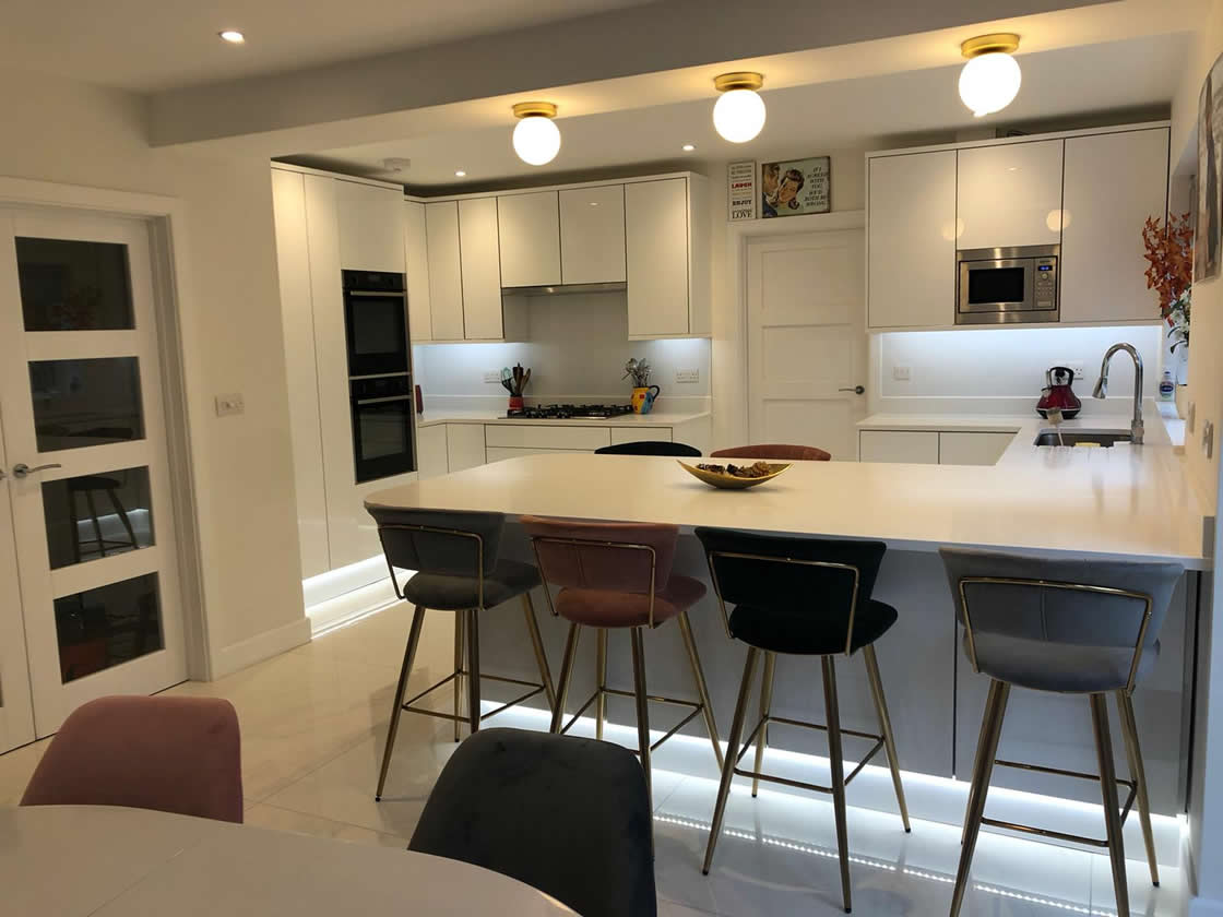 New Acrylic White Gloss Kitchen with Large Breakfast Bar