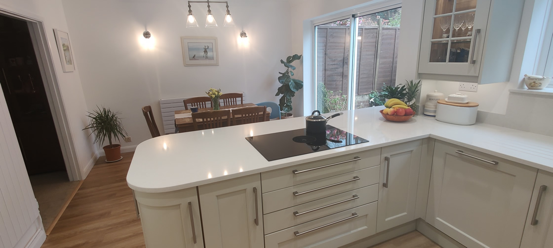 New Shaker Kitchen in Mussel Installed in Dorking Surrey - Punchbowl (13)