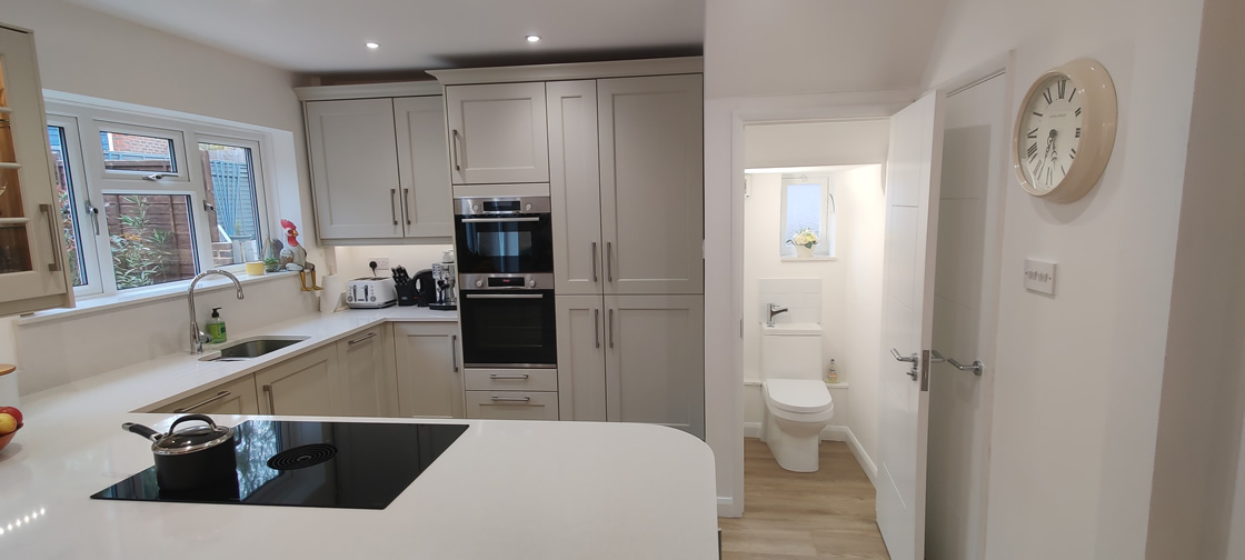 New Shaker Kitchen in Mussel Installed in Dorking Surrey - Punchbowl (17)