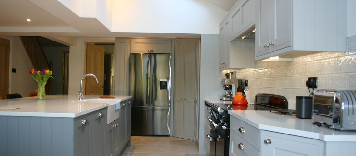 Plummet and Grey In-Frame Effect Kitchen